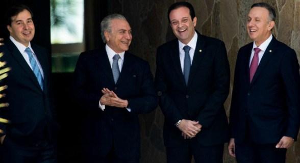 temer aliados1 1 - LABORATÓRIOS DENUNCIAM: Aguinaldo Ribeiro é citado por colunista como negociador de propinas no Gov. Temer