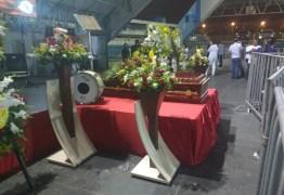Fãs e artistas fazem homenagem ao zabumbeiro Parafuso que deve ser sepultado em CG