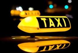 Criança de 4 anos presencia morte do pai dentro de táxi