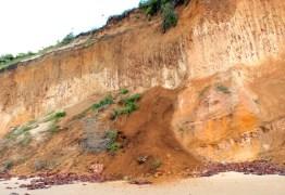 ENQUANTO A BARREIRA CAI:  TCE suspende concorrência da PMJP para obra de contenção da barreira do Cabo Branco