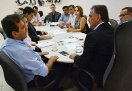 Cartaxo recebe prefeito de Natal e discute estratégias para superar crise