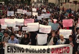 UNE anuncia 170 universidades ocupadas contra a PEC 55 (antiga 241)
