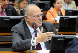 Deputado Roberto Freire é anunciado novo ministro da Cultura