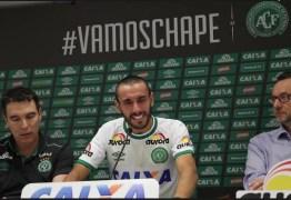 SOBREVIVENTE: Lateral faz planos para 2017 e quer disputar Libertadores