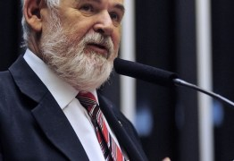 Luiz Couto parabeniza padre que orientou voto contra 'golpistas'