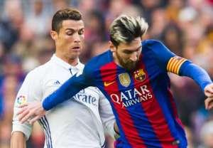 cristiano ronaldo messi real madrid barcelona 03 12 2016 1vi8pjce4ob1w1072rdu795cfo 300x208 - Revista inglesa coloca Messi como melhor do mundo em 2017