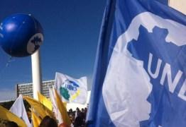 Temer quer fim do monopólio da UNE na emissão de carteirinhas