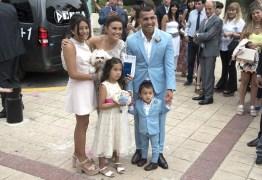 Casa de Carlitos Tevez é roubada enquanto ele se casava