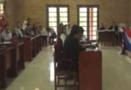 VEJA VÍDEO: vereador assiste vídeo de sexo durante sessão parlamentar
