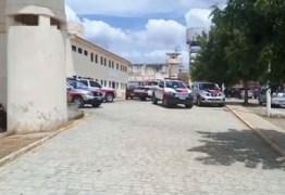 VEJA VÍDEO: preso armado atirando durante briga de facções na Paraíba