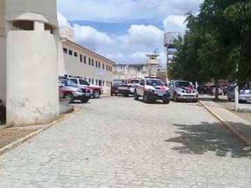 17195536280003622710000 - VEJA VÍDEO: preso armado atirando durante briga de facções na Paraíba