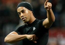 Clube do Uruguai monta projeto para contratar Ronaldinho Gaúcho