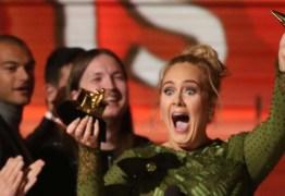Adele quebra Grammy e divide troféu com Beyoncé