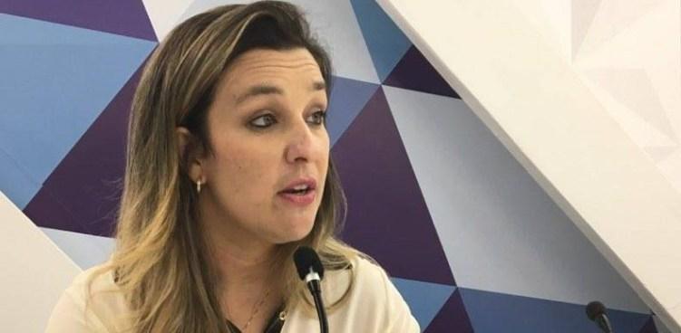 camila toscano e1486419695213 - Camila Toscano crítica discursos de Raniery e Roberto Paulino sobre apoio a João Azevedo - OUÇA