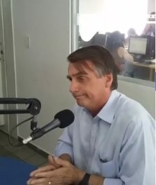 jair bolsonaro - Jair Bolsonaro fala à PB e diz que presidente tem que dar exemplo: 'No Palácio vai ter arroz, feijão e ovo'