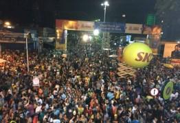 FOLIA DE RUA: Acompanhe aqui o desfile das Muriçocas do Miramar, em João Pessoa
