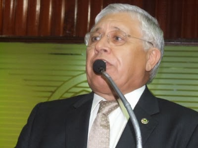 Quintans - Ex-deputado Assis Quintans é diagnosticado com Covid-19 e é internado em Campina Grande