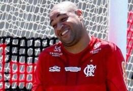 Adriano insiste em sonho, mas Flamengo rechaça volta do jogador