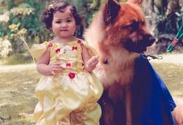 VIRAL: Fotógrafa faz ensaio infantil de 'A Bela e a Fera' com menininha e seu cão