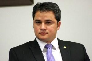 efraim filho 300x200 - Efraim Filho e Paulo Azi sustentam articulação e Câmara conclui votação da PEC da vaquejada