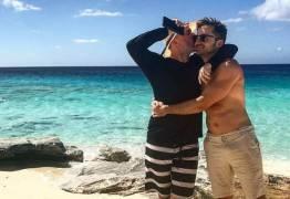 Paulo Gustavo celebra aniversário do marido com post apaixonado