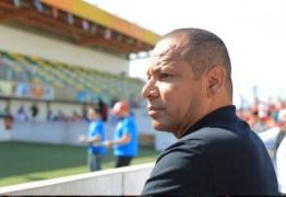 Pai de Neymar garante resolução na situação do jogador com o PSG, 'Estará de volta aos campos em breve'