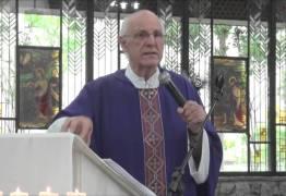 VEJA VÍDEO: Padre critica machismo, homofobia e Bolsonaro e ganha redes sociais