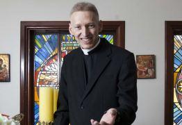 Padre Marcelo Rossi poderá ser demitido e deixar programa de rádio 'Momento de Fé'