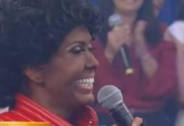 Joelma é detonada por fazer 'blackface' ao imitar Michael Jackson