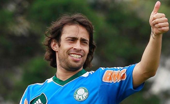 valdivia2 - Disposto a voltar para o Brasil Valdivia estaria na mira de clubes da série A