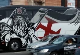 Ônibus do Vasco quebra e jogadores são obrigados a irem de táxi pro clássico