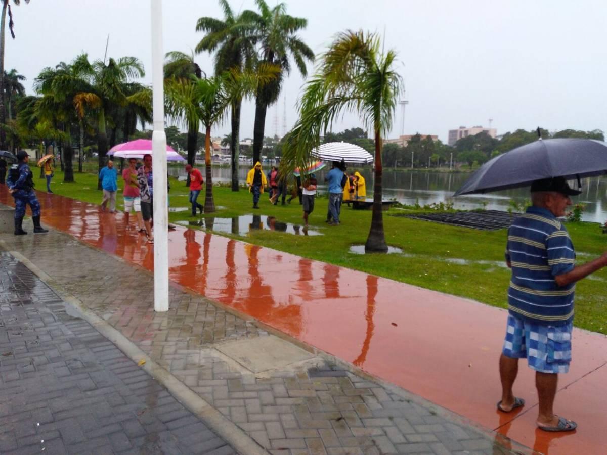 3efe00a6 55dc 4f45 bf1f 77a42e0b0988 - VEJA VÍDEO: Bombeiros tentam localizar homem que caiu na Lagoa do Parque Solon de Lucena