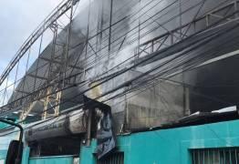 Incêndio destrói parte do Centro Comercial de Passagem, em João Pessoa