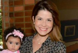 Atriz Samara Felippo relata insegurança de filha cacheada