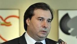 'O decreto, com validade até o dia 31, é um excesso, sem dúvida nenhuma', diz Rodrigo Maia