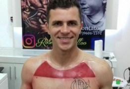 Torcedor promete tatuar camisa do Flamengo em tamanho real: veja resultado