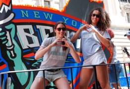 Equipe da WNBA faz história na Parada do Orgulho LGBT em Nova York
