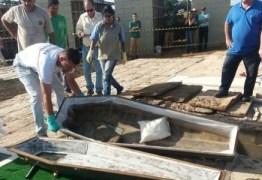 GOLPE DO CAIXÃO: Polícia acusa família de enterrar caixão vazio para ficar com seguro
