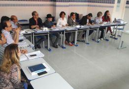Anísio Maia participa da primeira reunião da Comissão que elabora o Plano Estadual de Educação