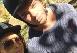 Filho de Eike Batista curte Angra com a namorada após pai voltar para casa