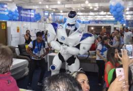 Vídeo: Robozão agita Brasil Mostra Brasil até segunda-feira