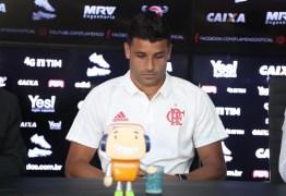 Ederson, meia do Flamengo revela tumor nos testículos: 'Difícil ter palavras'