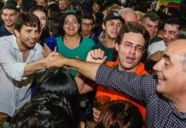 Luciano Cartaxo na festa da cidade de Belém é saudado pelo povo como candidato a governador
