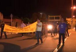 VEJA VÍDEO: Pastor organiza protesto contra igreja em homenagem a Nossa Senhora