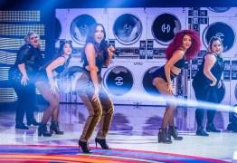Bailarina plus size de Anitta arraza em propaganda de biquínis