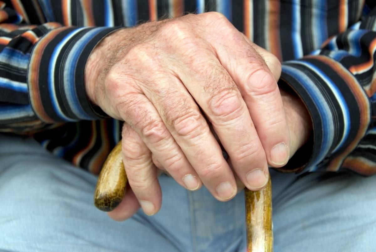 aposemtadoria - Teto para todas as aposentadorias cortaria despesas em R$ 4,16 bilhões por mês