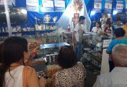 Vendas de artigos religiosos ajudam instituições de misericórdia na Brasil Mostra Brasil