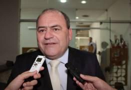 Ex-deputado Bado Venâncio tem salário de R$ 12 mil no gabinete de Cássio Cunha Lima
