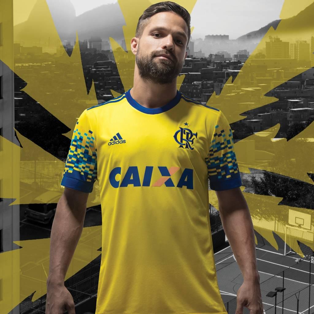 5424a3b234 Flamengo lança camisa criada por torcedor; estreia é contra o Coxa ...