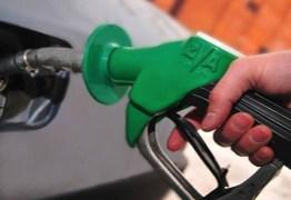 Após liminar suspendendo alta de imposto, Petrobras eleva preço de combustíveis